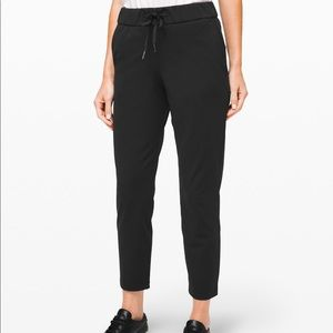 NWT On the fly 7/8 Pants black